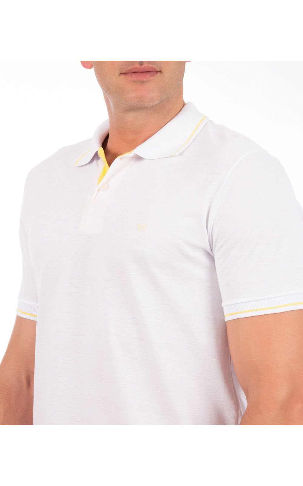 Foto 3 - Camisa Polo Masculina Branca Detalhada