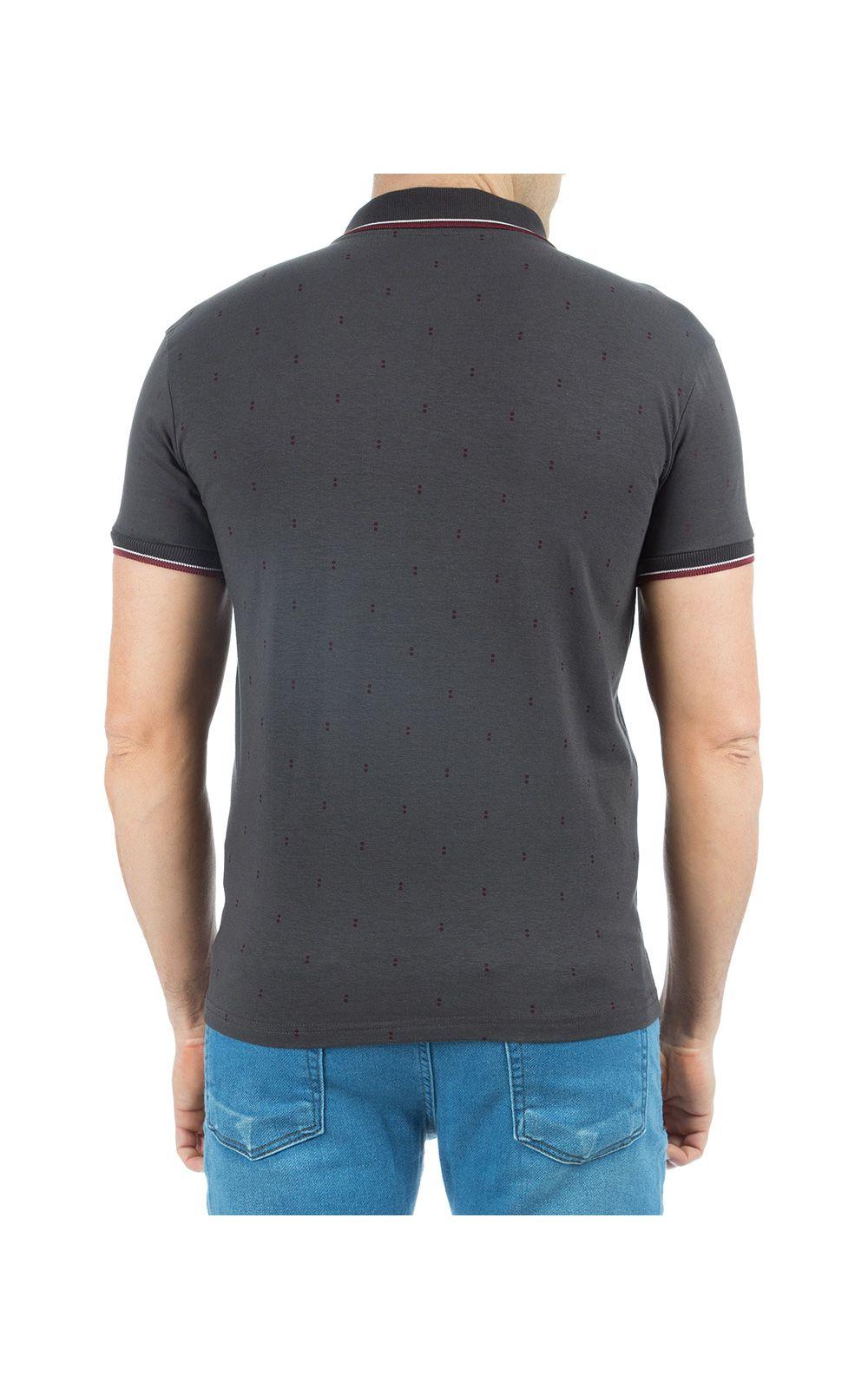 Foto 2 - Camisa Polo Masculina Cinza Escuro Estampada